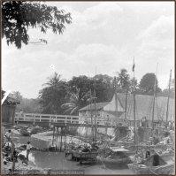 Jembatan Selam tahun 1923 [Sumber: Tropenmuseum Royal Tropical Institute]