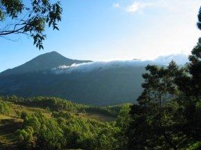 Di Bawah Bayang-bayang Gunung Ramelau(1)
