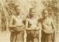Tiga gadis dari Kringa di Flores bagian timur sekitar tahun 1927. [KITLV]