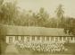 sekolah asrama Roma-Katholik untuk pendidikan guru sekolah umum (de opleiding tot volksschoolonderwijzer) di Ndona, Ende sekitar bulan April 1927. Foto ini diambil dari koleksi C. Schultz. [Sumber: KITLV]