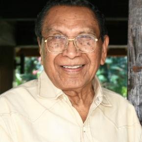Dosen Theologi Indonesia Pertama TutupUsia
